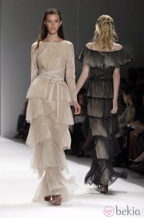 Vestido estilo años veinte de Tadashi Shoji, colección primavera de 2012