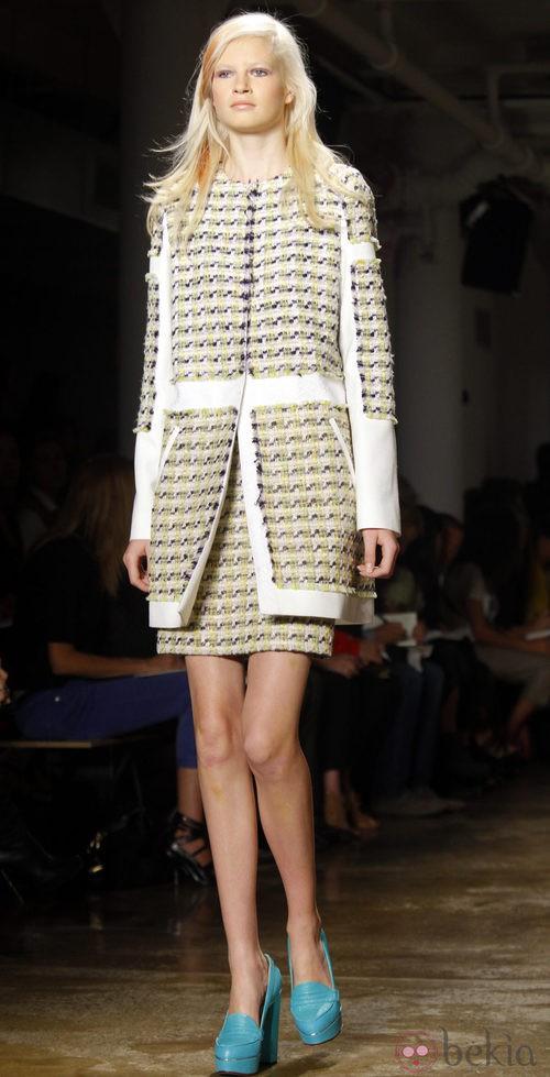 Gabardina de tweed de Peter Som, colección primavera de 2012