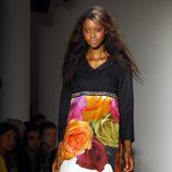 Gabardina con rosas estampadas de Peter Som, colección primavera de 2012
