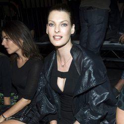 Linda Evangelista en el desfile de Alexander Wang en la Semana de la Moda de Nueva York, colecciones de primavera de 2012
