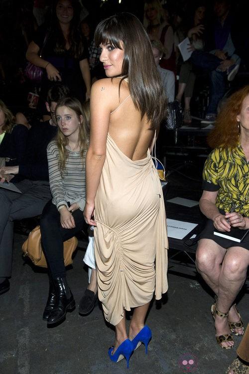 Escote de espalda de Lea Michele en el desfile de Alexander Wang