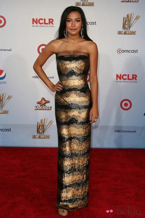 Naya Rivera con diseño palabra de honor de lentejuelas en los premios ALMA 2011