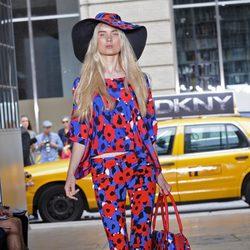 Conjunto estampado de DKNY, colección primavera 2012