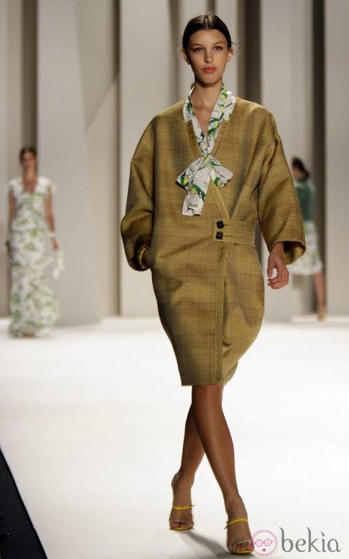 Abrigo de Carolina Herrera, colección primavera 2012