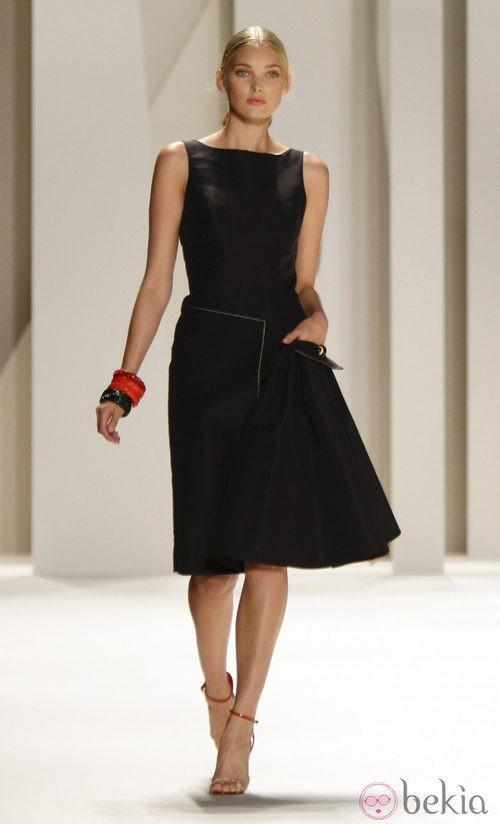 Vestido de corte lady de Carolina Herrera, colección primavera 2012