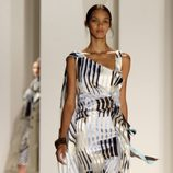 Vestido de noche con rayas de Carolina Herrera, colección primavera 2012