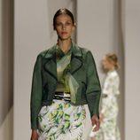Traje de chaqueta verde de Carolina Herrera, colección primavera 2012
