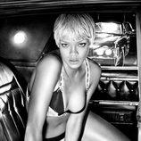 Rihanna en sujetador para Armani Underwear