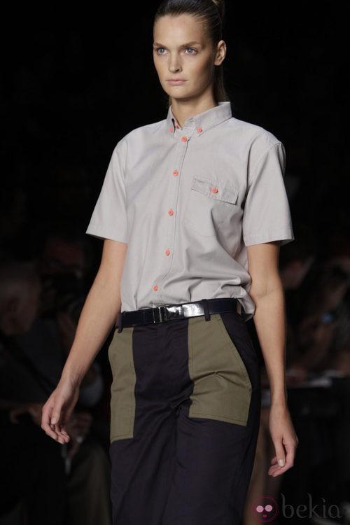 Camisa para mujer de Marc by Marc Jacobs, colección primavera 2012