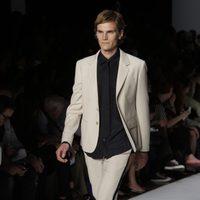 Traje de chaqueta deportivo de Marc by Marc Jacobs, colección primavera 2012