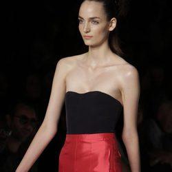Pantalón rojo de Marc by Marc Jacobs, colección primavera 2012
