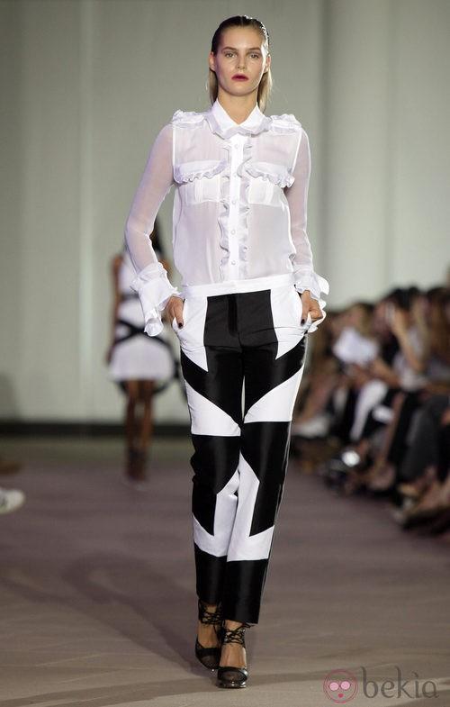 Camisa con volantes de Prabal Gurung, colección primavera 2012