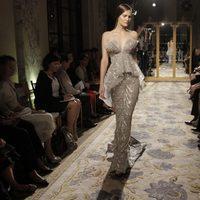 Vestido plateado de Marchesa, colección primavera de 2012