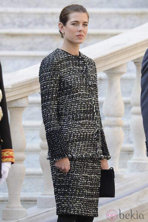Carlota Casiraghi con un traje tweet de Chanel