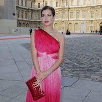 Carlota Casiraghi con un vestido rojo de Giambattista Valli