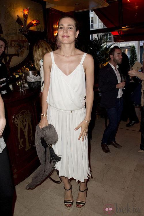 Carlota Casiraghi con un vestido premamá