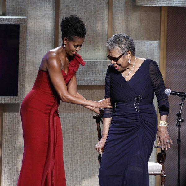michelle obama con un vestido rojo en los bet honors