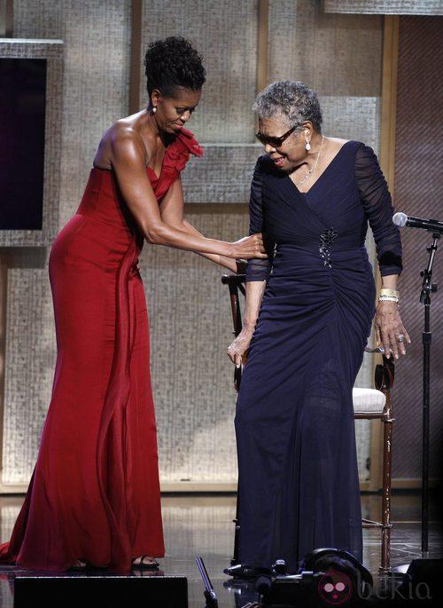 Michelle Obama con un vestido rojo en los BET Honors Awards en 2012