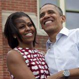 Michelle Obama con un vestido de cuadros de Asos