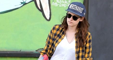Kristen Stewart apuesta por el estilo casual para hacer recados