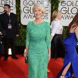 Helen Mirren con un vestido de Jenny Packham en la alfombra roja de los Globos de Oro 2014