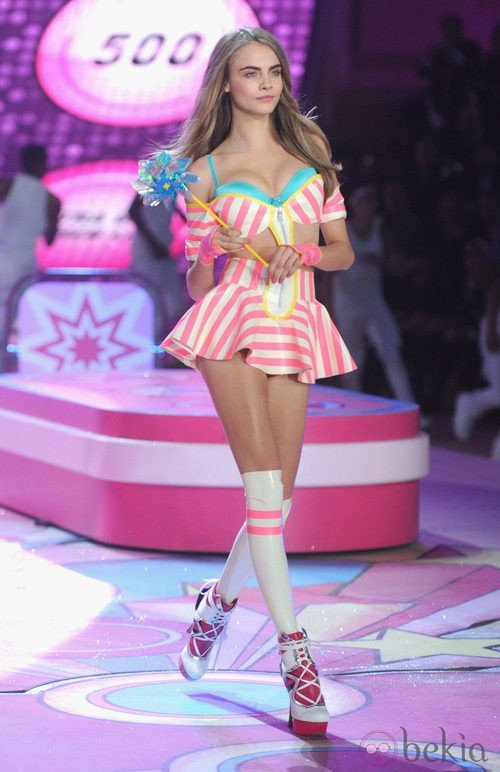Cara Delevingne en el Victoria's Secret Fashion Show 2012