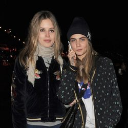 Cara Delevingne y Georgia May Jagger en Winter Wonderland 2013
