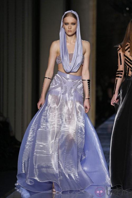 Falda larga de la colección primavera/verano 2014 de Atelier Versace