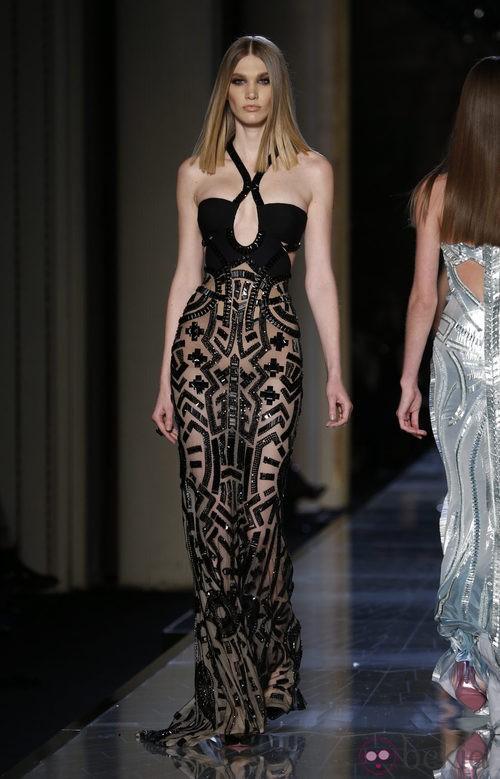 Vestido negro con transparencias de la colección primavera/verano 2014 de Atelier Versace