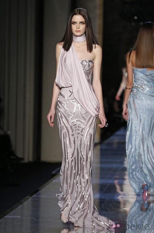 Vestido rosa de la colección primavera/verano 2014 de Atelier Versace