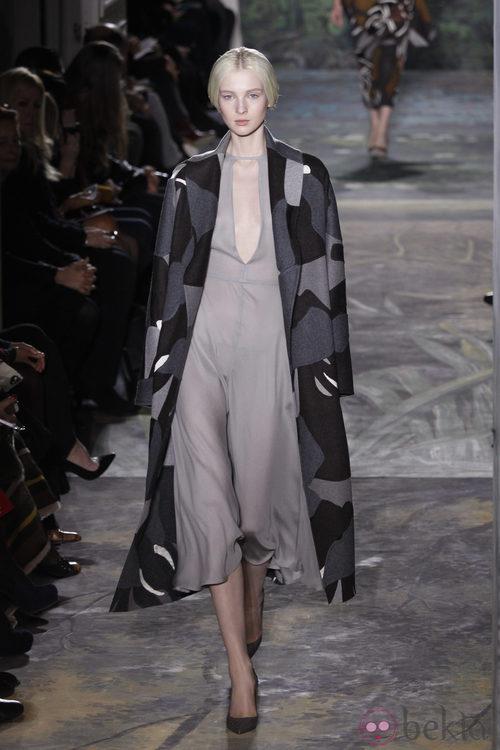 Look de la colección primavera/verano 2014 Alta Costura de Valentino en la Semana de la Moda de París