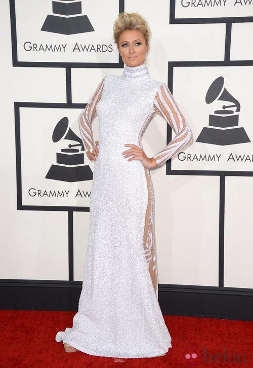 Paris Hilton con un vestido de Haus of Milani en la alfombra roja de los Premios Grammy 2014