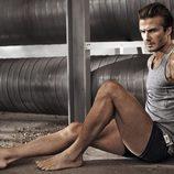 David Bekcham con camiseta y boxers en la campaña Bodywear primavera/verano 2014 de H&M