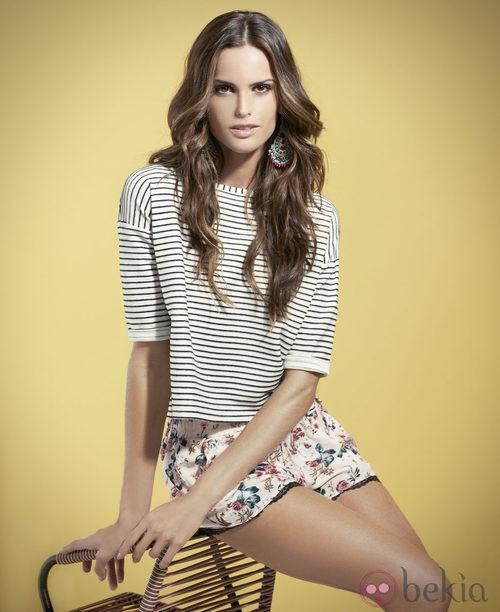 Izabel Goulart con un look de la colección primavera/verano 2014 de Suiteblanco
