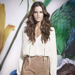 Izabel Goulart con short marrón de la colección primavera/verano 2014 de Suiteblanco