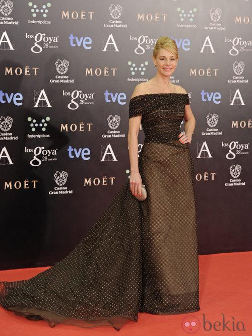 Belén Rueda con un vestido de Lorenzo Caprile en la alfombra roja de los Goya 2014