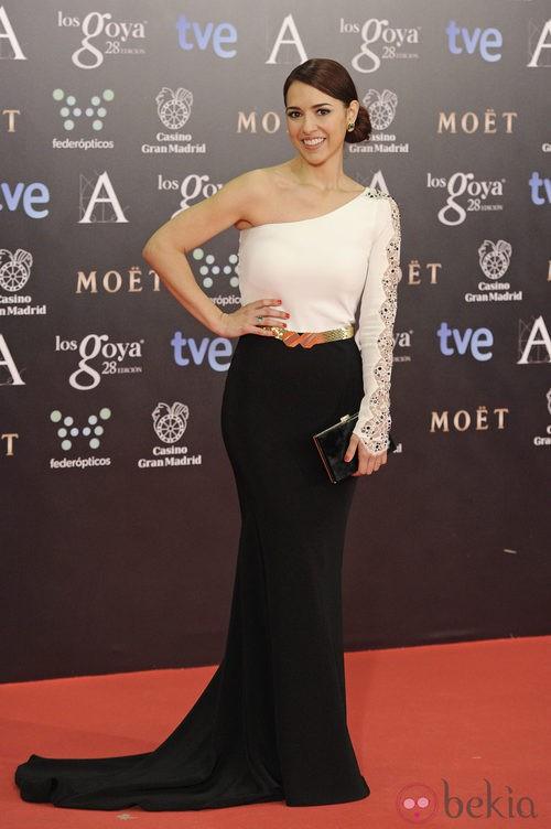 Cristina Brondo con un vestido de Alicia Rueda en la alfombra roja de los Goya 2014
