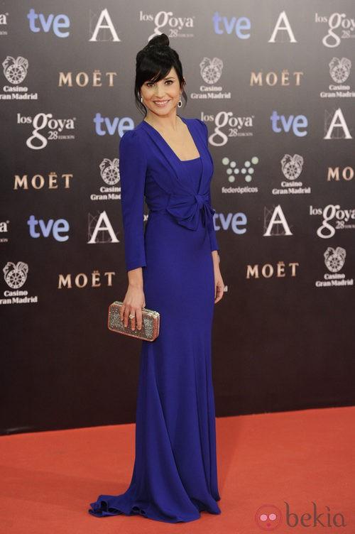Marian Álvarez con un vestido de Miriam Ocariz en la alfombra roja de los Goya 2014