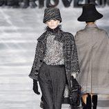 Sombrero maceta de Roberto Verino en Madrid Fashion Week otoño/invierno 2014/2015