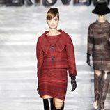 Conjunto rojo de Roberto Verino en Madrid Fashion Week otoño/invierno 2014/2015