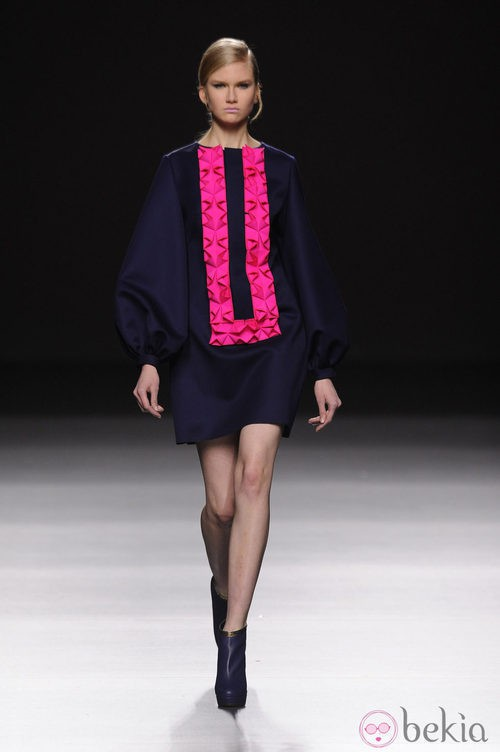 Detalles fucsia en Devota & Lomba en Madrid Fashion Week otoño/invierno 2014/2015