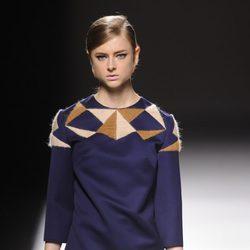 Jersey con geometría en Devota & Lomba en Madrid Fashion Week otoño/invierno 2014/2015