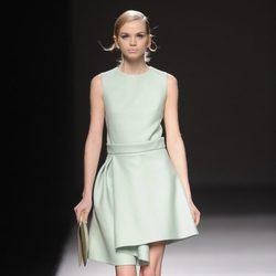 Vestido verde pastel de Devota & Lomba en Madrid Fashion Week otoño/invierno 2014/2015