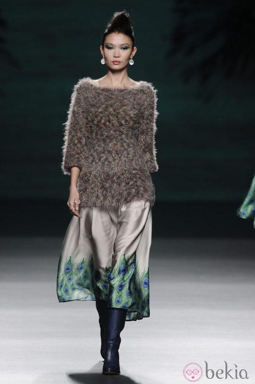 Jersey y falda de la colección otoño/invierno 2014/2015 de Francis Montesinos en Madrid Fashion Week