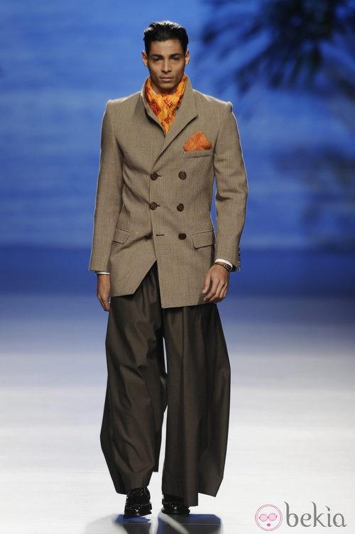 Pantalón de la colección otoño/invierno 2014/2015 de Francis Montesinos en Madrid Fashion Week