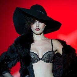 Look de la colección otoño/invierno 2014/2015 de Andrés Sardá en Madrid Fashion Week