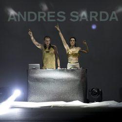 Bimba Bosé y Charlie Centa, djs del desfile otoño/invierno 2014/2015 de Andrés Sardá en Madrid Fashion Week