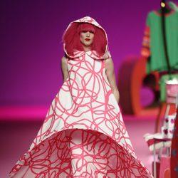 Vestido estampado de la colección otoño/invierno 2014/2015 de Agatha Ruiz de la Prada en Madrid Fashion Week