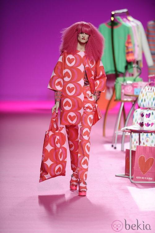 Traje oversize de la colección otoño/invierno 2014/2015 de Agatha Ruiz de la Prada en Madrid Fashion Week