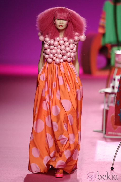 Falda de lunares de la colección otoño/invierno 2014/2015 de Agatha Ruiz de la Prada en Madrid Fashion Week